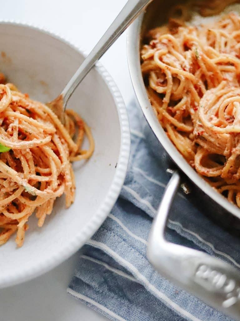 Sun Dried Tomato and Ricotta Pesto Pasta
